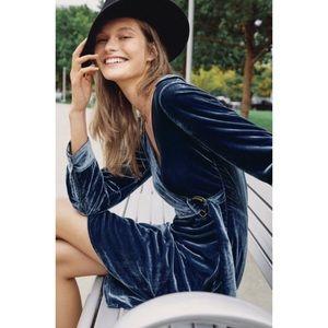 🆕NWT Anthropologie Belted Velvet Wrap Dress